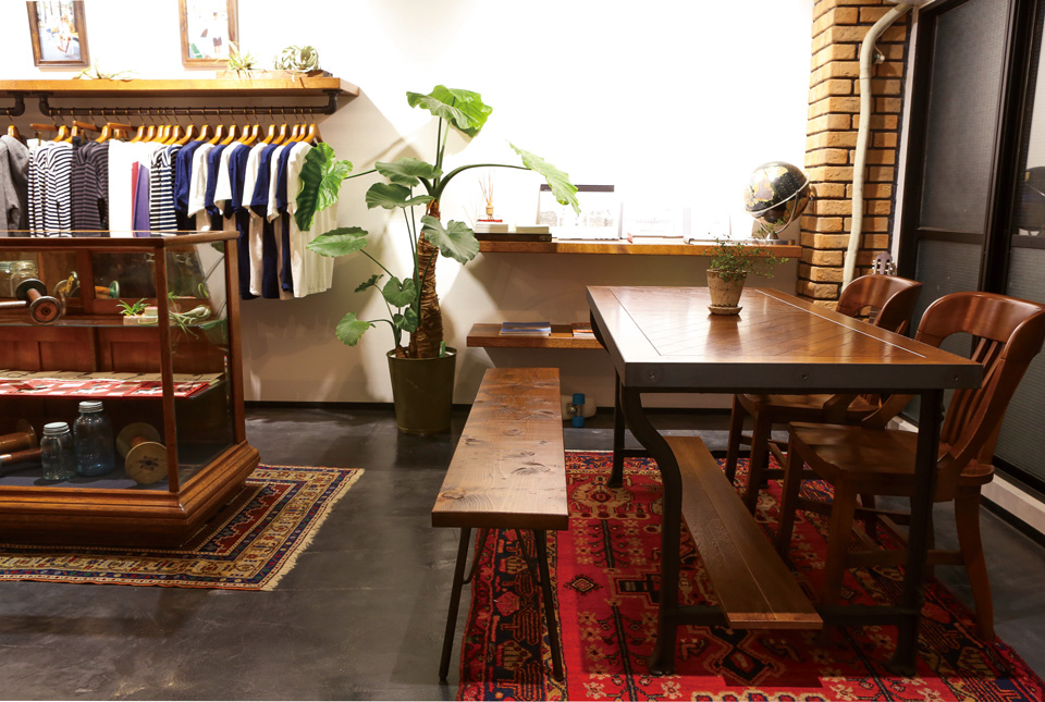 ACME Furniture 鷹番店