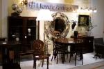 Lloyd's Antiques 横浜