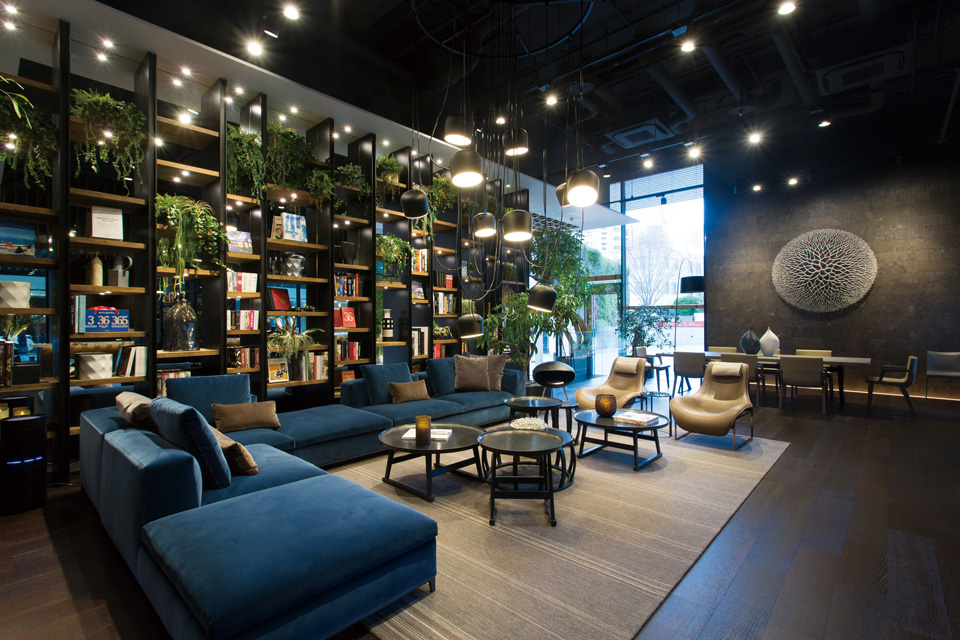 b b italia. Black Bedroom Furniture Sets. Home Design Ideas