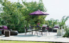【Coordinate Items】 「ガーデン・テーブル1000」「ガーデン・スタッキング・アームチェア」「ガーデン・スタッキング・アームチェア用 座面クッション(アイボリー)」